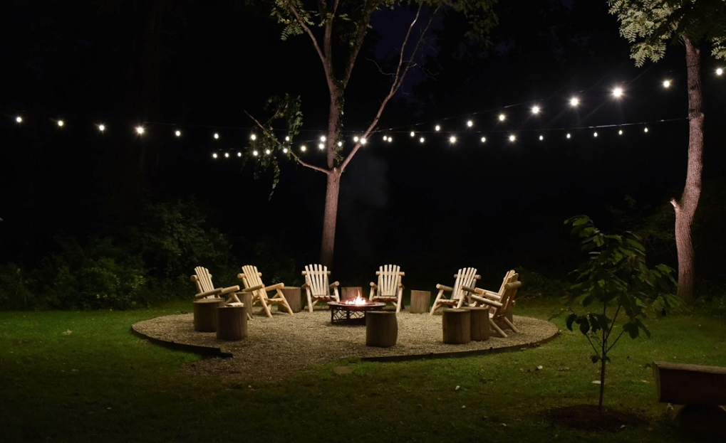 outdoor seating area string lighting